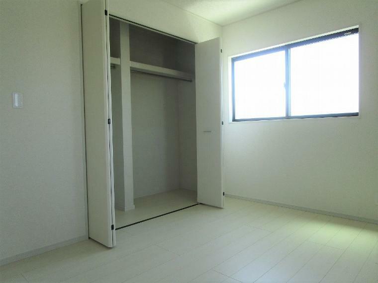 収納 【1号棟】2階洋室6.25帖クローゼット