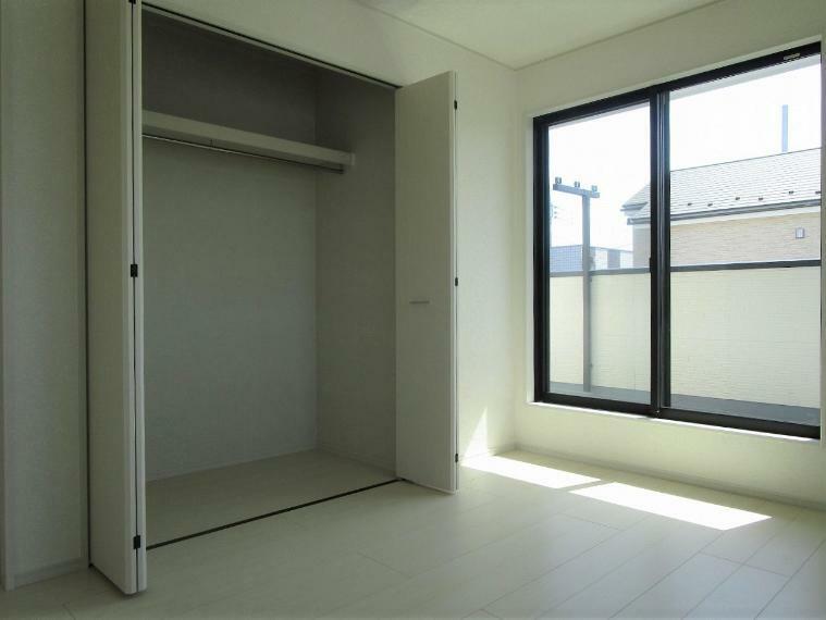 収納 【1号棟】2階洋室6帖クローゼット