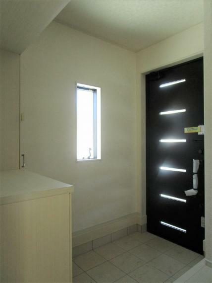 玄関 【1号棟】玄関電子鍵(電池式)・断熱玄関ドア