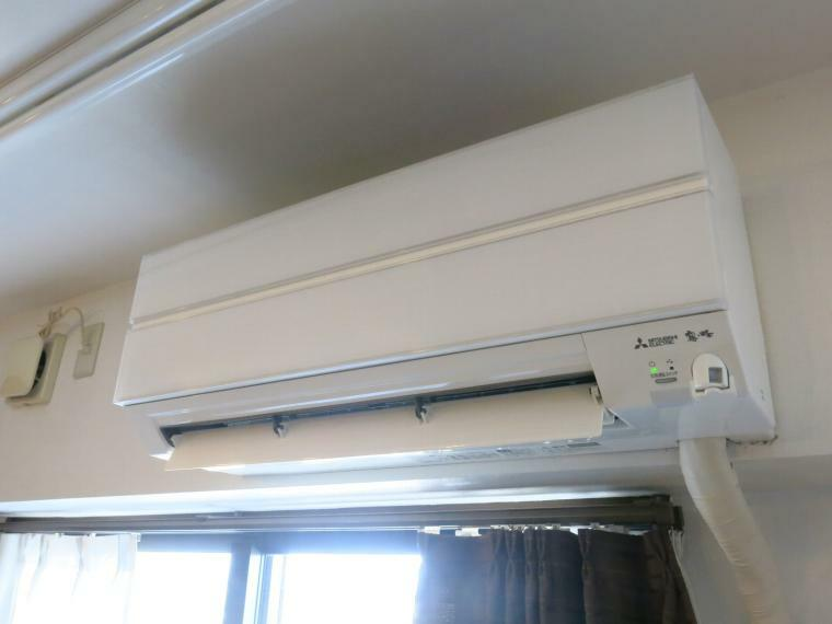 冷暖房・空調設備 リビングのエアコンです。