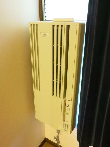 冷暖房・空調設備 南西側洋室のエアコンです。