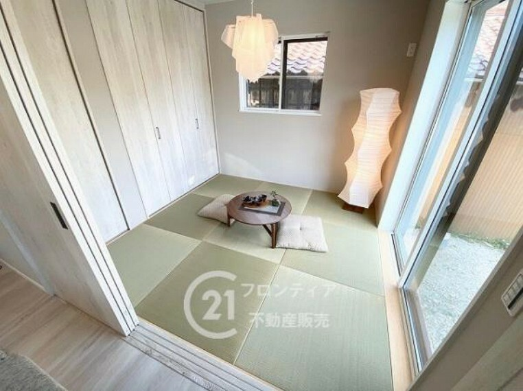 リビング横の和室はお子様のお昼寝など用途多彩です
