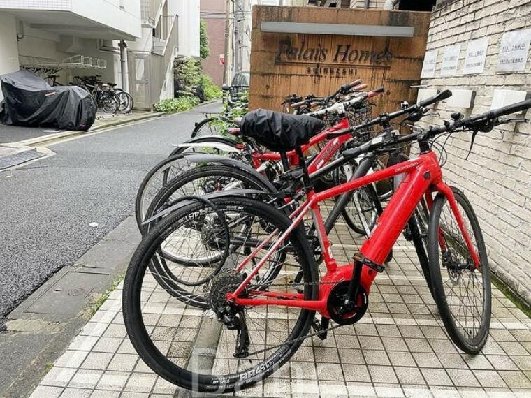 駐輪場 平置きの駐輪場なので、自転車の出し入れも楽です。