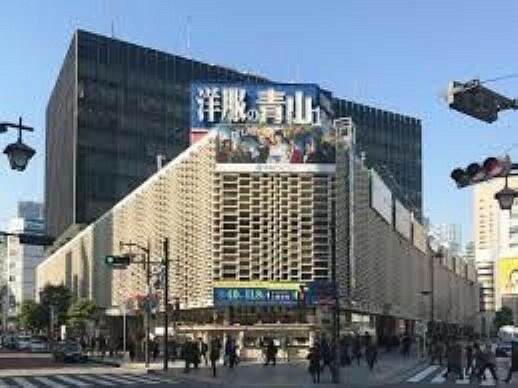 ショッピングセンター ニュー新橋ビル 徒歩7分。