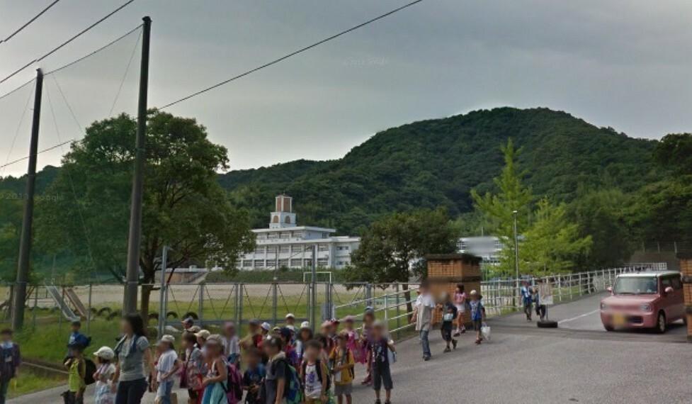 小学校 【小学校】高知市立十津小学校まで1278m