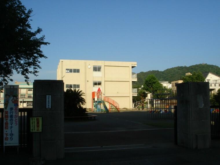 小学校 【小学校】沼津市立第四小学校まで965m