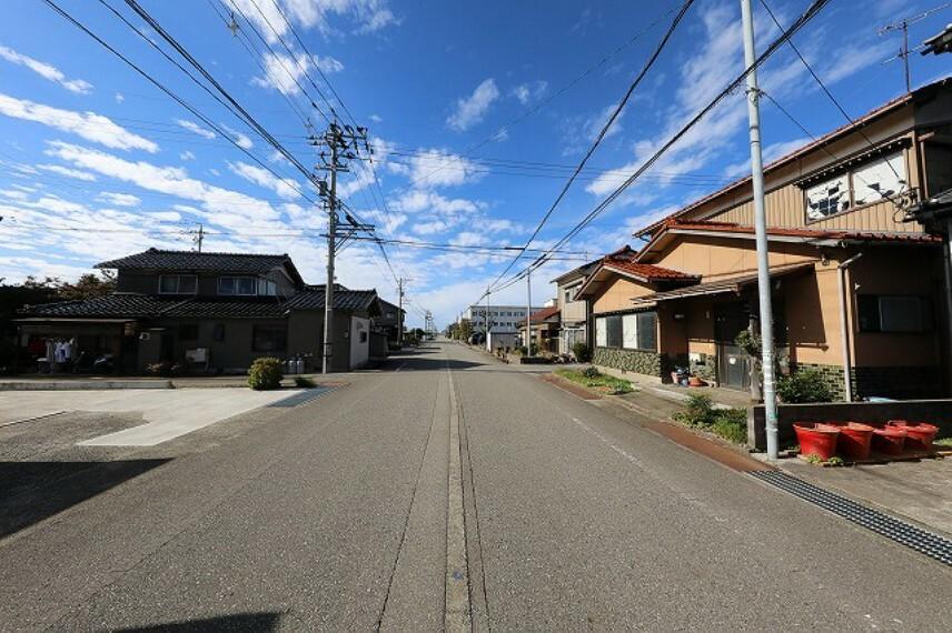 現況写真 南側道路(2) 幅員約7.8m 間口約8.6m