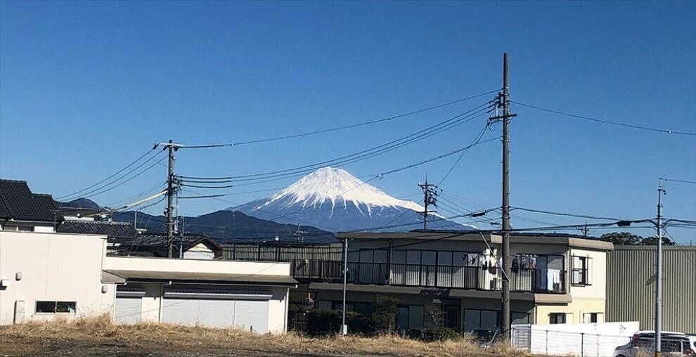 周辺の街並み 富士山が見える分譲地 令和3年4月撮影