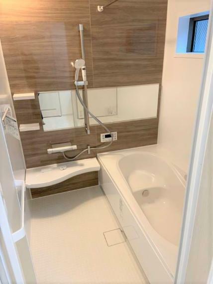 同仕様写真(内観) 同社施工例ゆっくり足を伸ばせ、くつろげる浴室