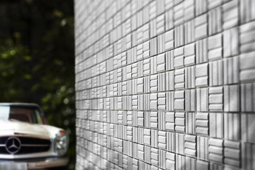 完成予想図(外観) コントラストイメージCG(No.9号棟外壁イメージ) 邸宅に格を与えるタイルと陰影