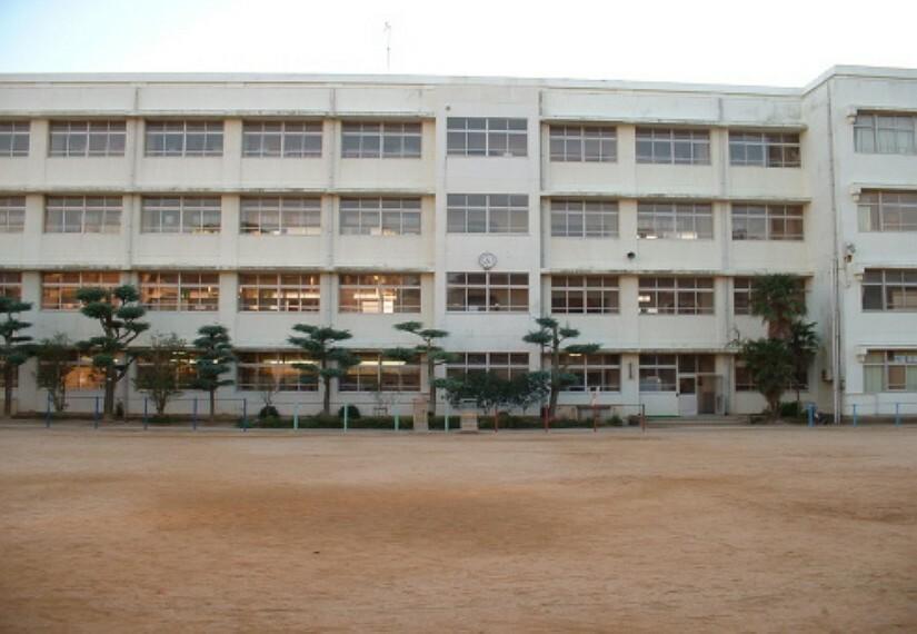 小学校 【小学校】明石小学校まで587m