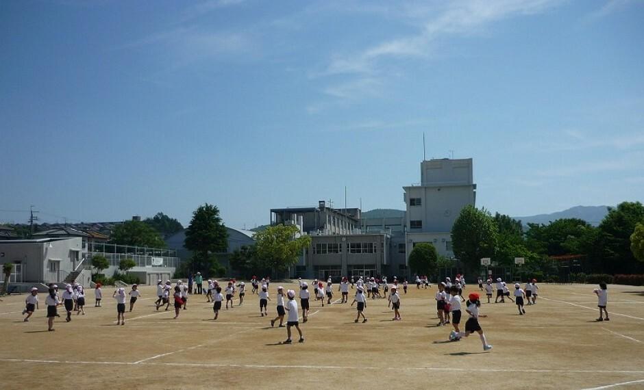 小学校 【小学校】川西市立 多田東小学校まで1646m