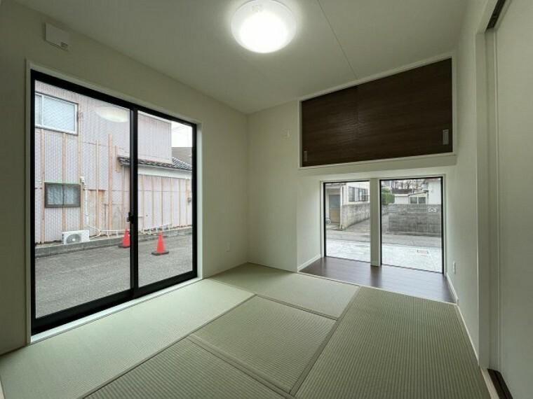 和室 和室 2面採光で明るいですね