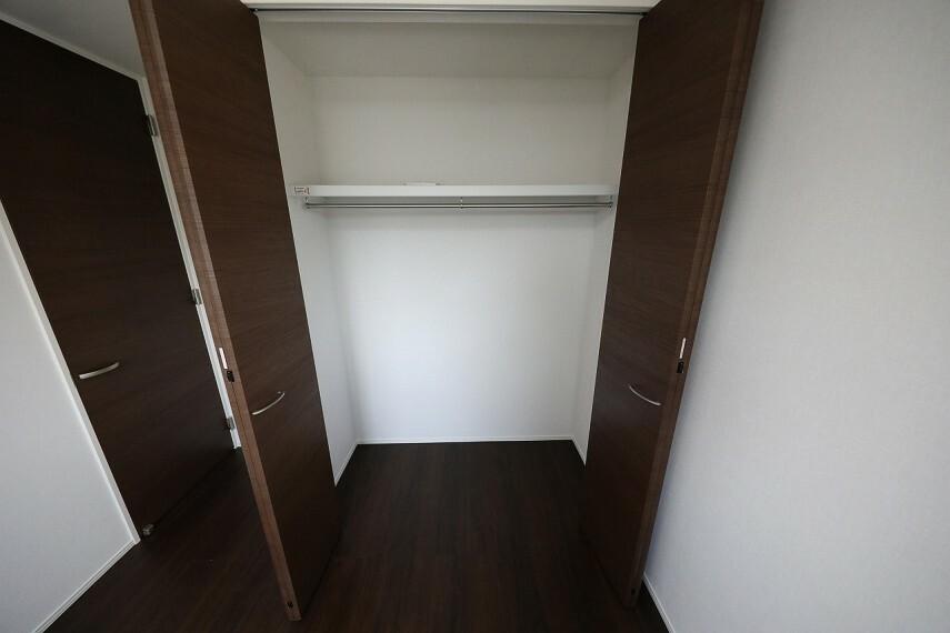 収納 2階 洋室5.2帖(1)にある収納スペースです。