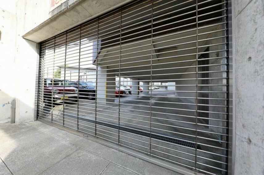 敷地内駐車場 雨風の当たらない屋内駐車区画