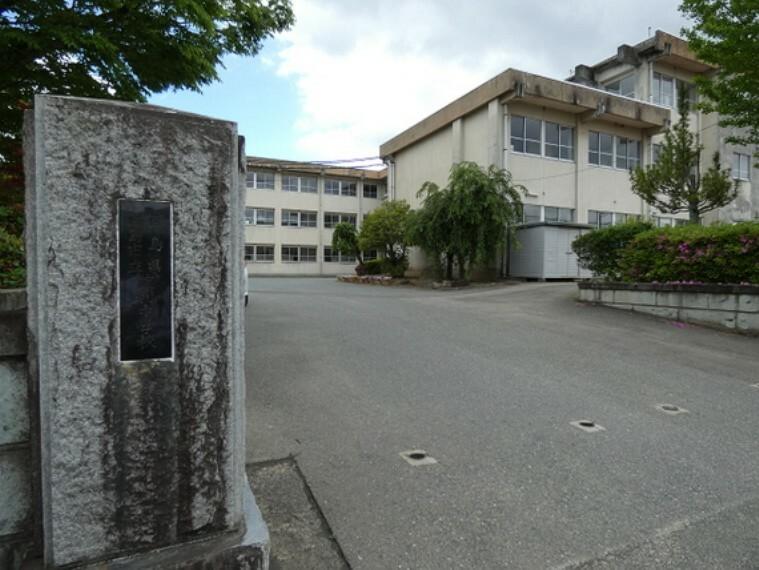 中学校 渡利中学校 徒歩15分(約1200m)