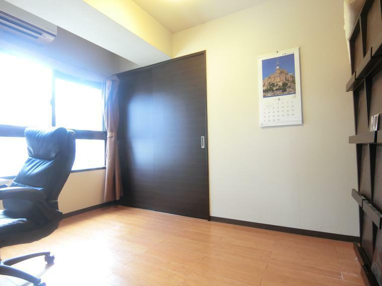 洋室 ・洋室 6.0帖 ・柱が無く家具設置等のしやすいお部屋