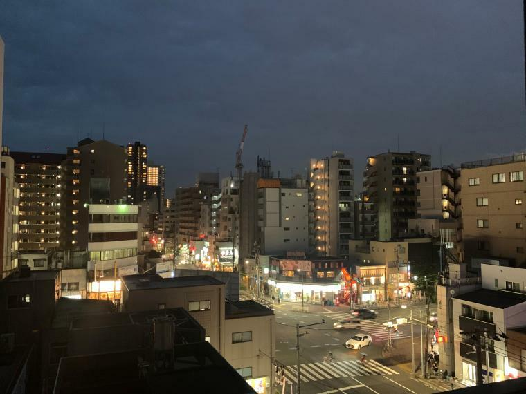 眺望 ・バルコニーからの眺め ・夜景を楽しめます。