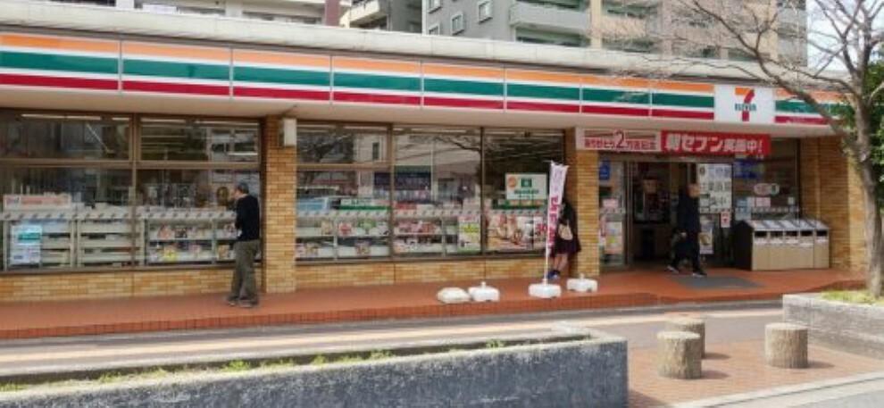 コンビニ 【コンビニエンスストア】セブン-イレブン入間豊岡1丁目店まで575m