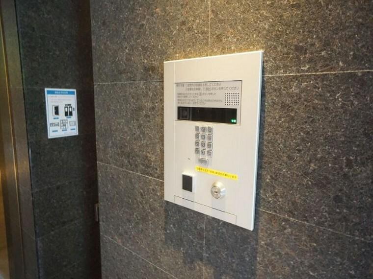 防犯設備 TVモニタ付きのオートロック(インターホン)付き