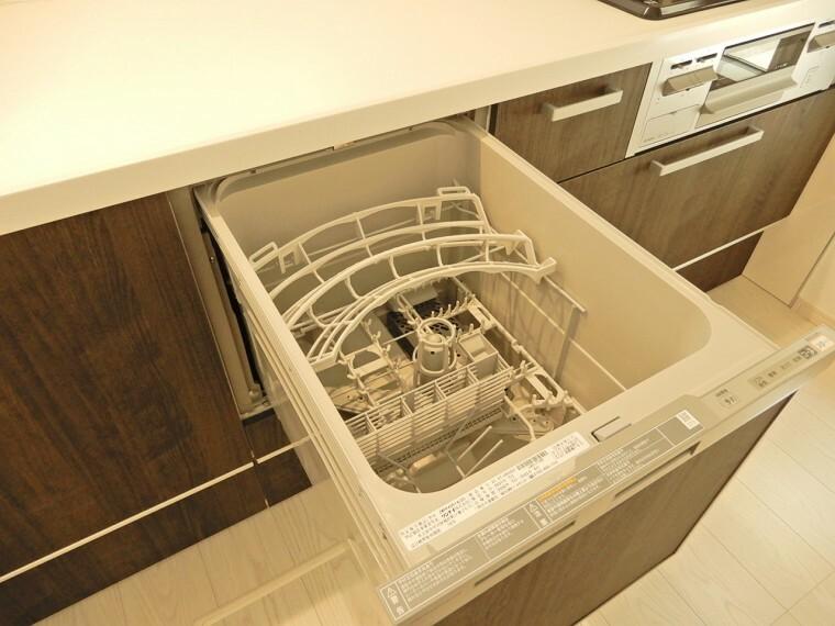 家事をサポートしてくれるビルトイン食洗器完備!