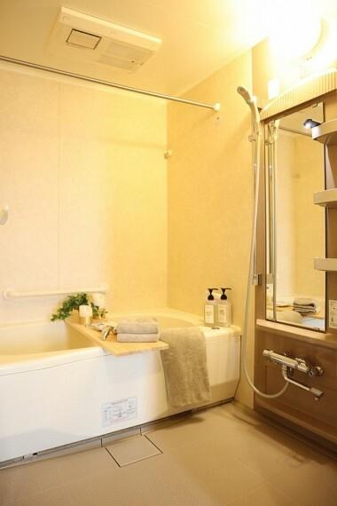 浴室 1坪以上のゆったりユニットバス