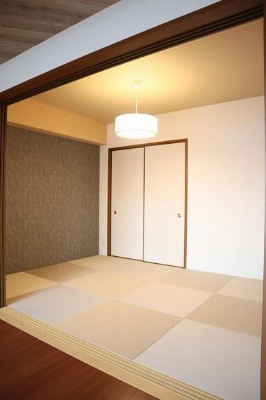 和室 フラットに新調した和紙畳がとても爽やかです