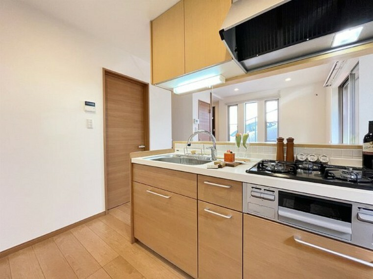 キッチン 使いやすい収納豊富なキッチンです。