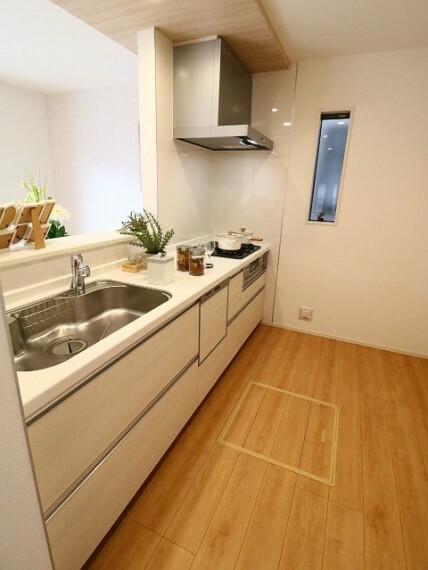 キッチン キッチンは今主流のオープンキッチンを採用しております。