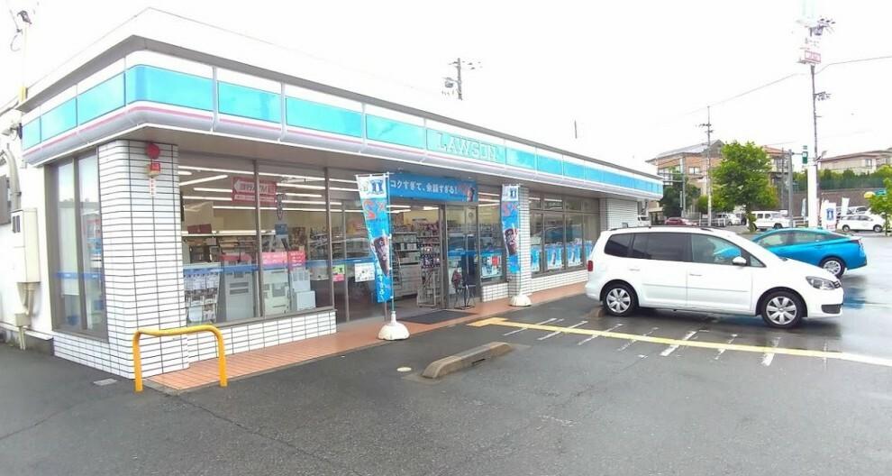 コンビニ 【コンビニエンスストア】ローソン大久保インター南店まで988m