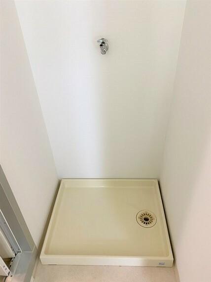 洗面化粧台 洗面室には室内洗濯機置場つき!