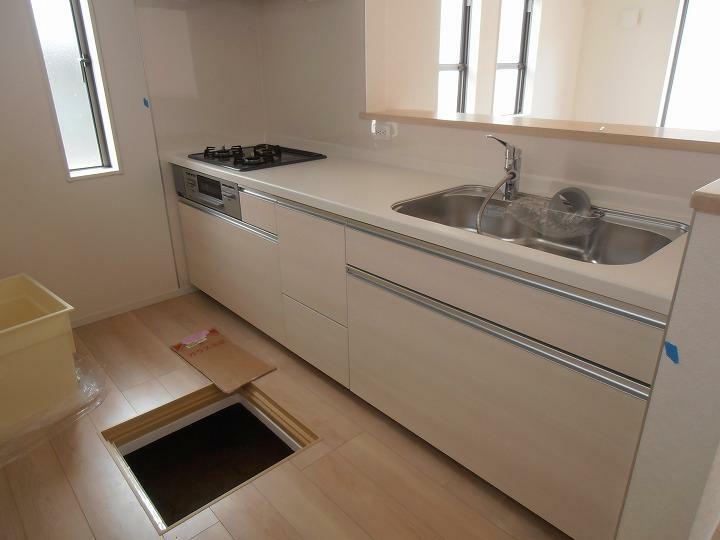 キッチン 対面式システムキッチン 床下収納あり