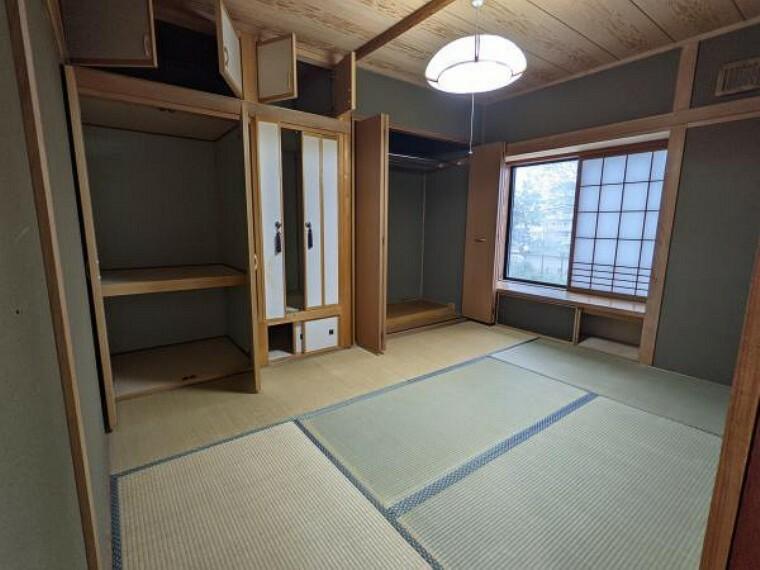 [リフォーム前_和室]畳の表替えと壁面と木部は塗装を行います。
