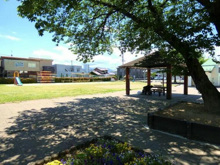 公園 西児童公園まで徒歩約4分(300m)です。