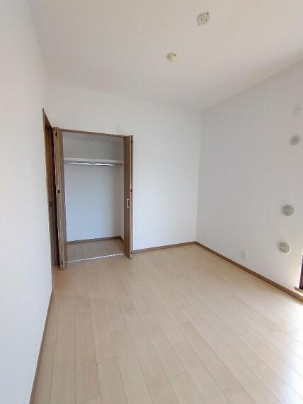 収納 【収納】 全居室にCLが有ります