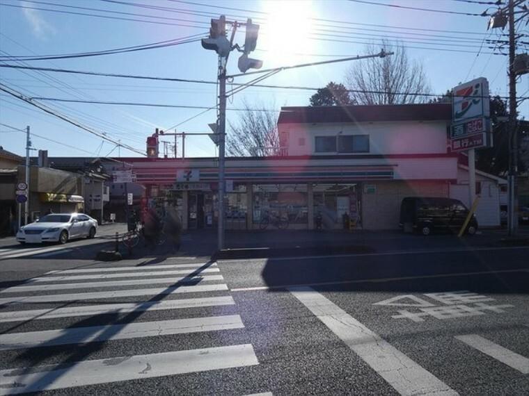 コンビニ セブン-イレブン 川越六軒町店