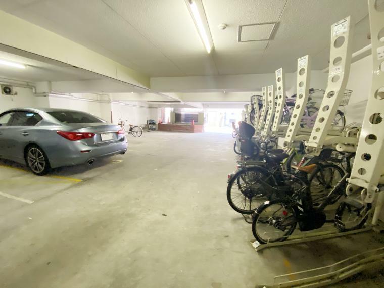 駐輪場 駐車場