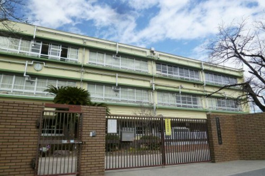 小学校 【小学校】和泉市立黒鳥小学校まで1440m