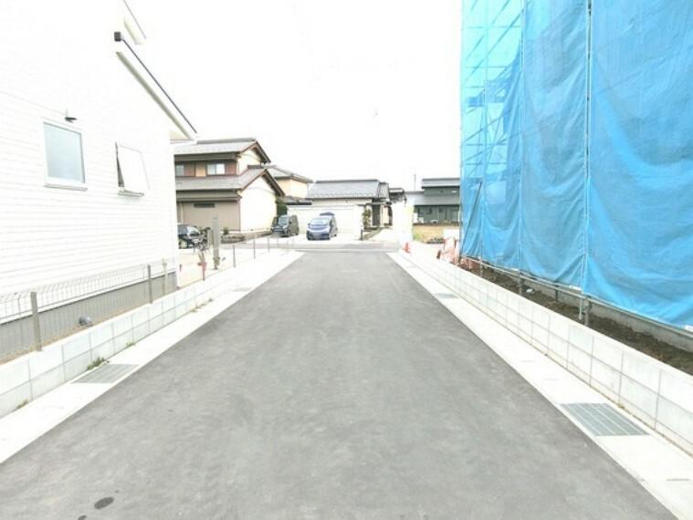 現況写真 南側道路に接道しています。