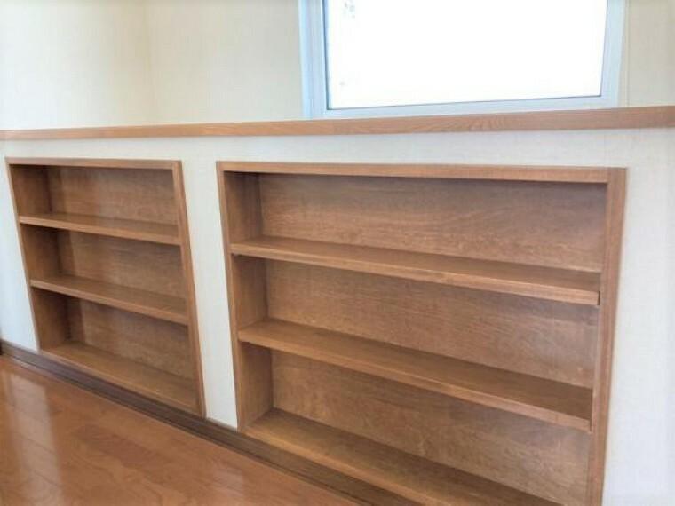 【リフォーム前2階廊下たな】今回のリフォームでは本棚のようにリフォーム致します。