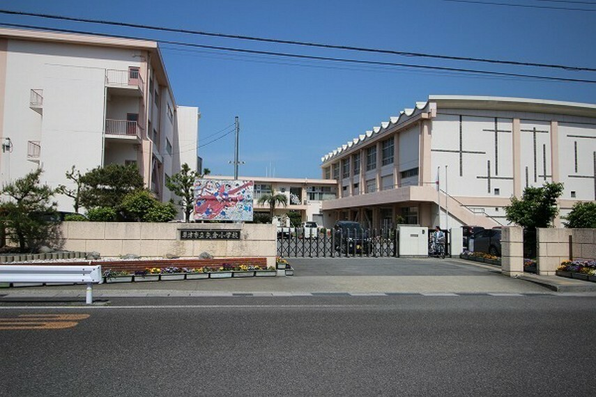 小学校 草津市立矢倉小学校 昭和53年4月:草津小学校より分離開校
