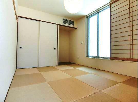 和室 琉球畳の和室8帖