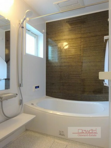 浴室 1坪タイプのゆったりとした浴室で毎日の疲れを癒してください! 浴室乾燥機を完備!