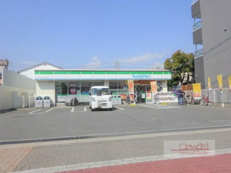 コンビニ 【コンビニエンスストア】ファミリーマート 清水二丁目店まで230m