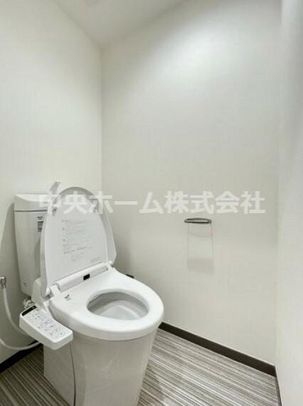 トイレ ウォシュレット機能付きトイレ。