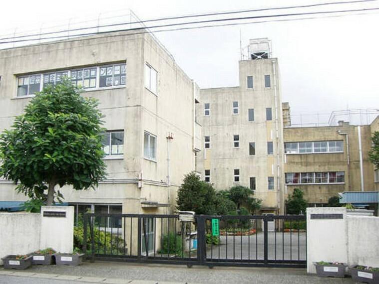 中学校 「柏市立酒井根中学校」吹奏楽部は全日本吹奏楽コンクールに複数回出場する国内屈指の実力校で、日本の中学校吹奏楽部を牽引する存在です