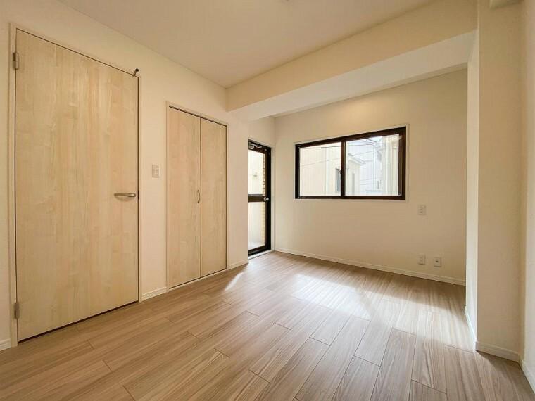 寝室 収納スペースもあり、生活しやすい居住スペースです。
