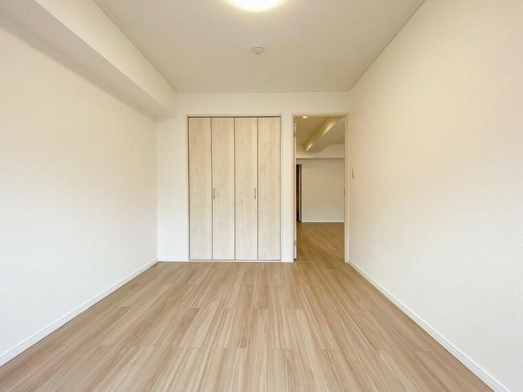 洋室 どの部屋にもたっぷりの収納。ゆったりとした住空間が実現可能です。
