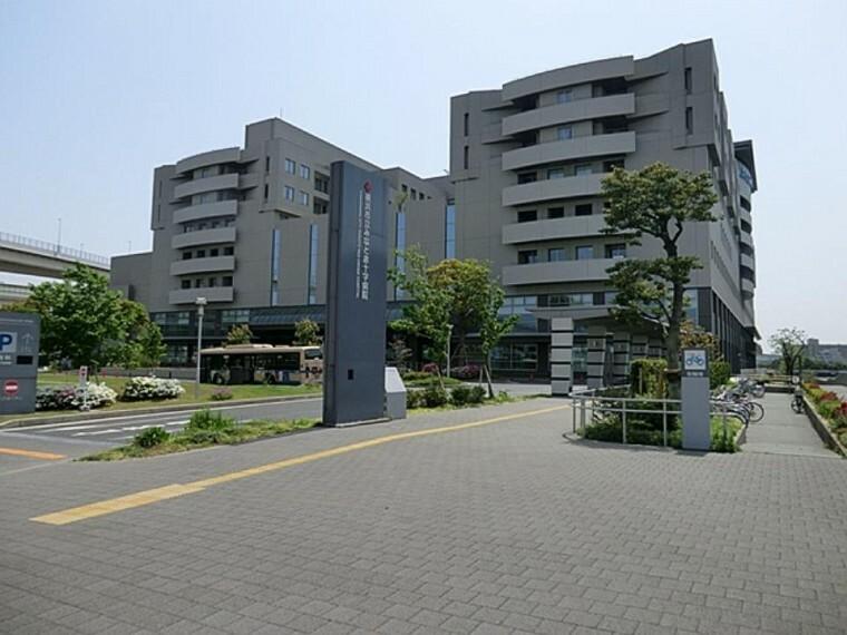 病院 横浜市立みなと赤十字病院(救命救急センター、母子周産期医療センター、災害医療など多機能な中核病院として機能しています。)