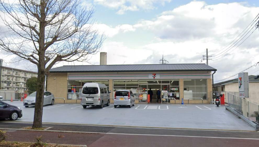 コンビニ セブンイレブン京都洛西境谷店